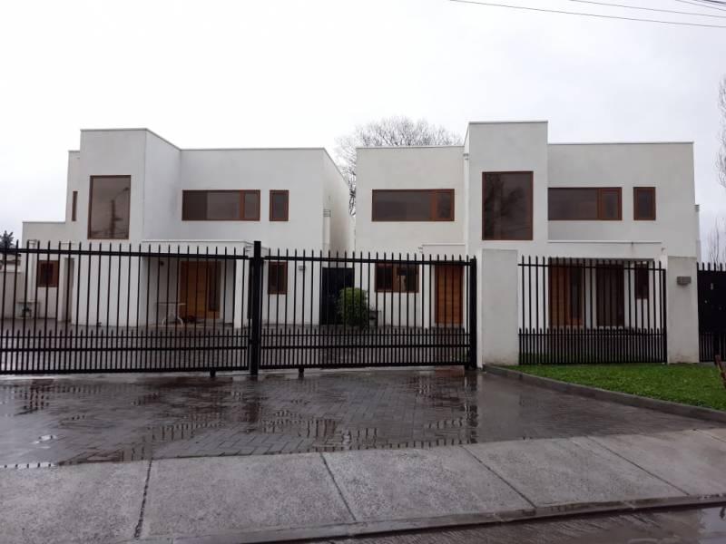 CASA NUEVA MEDITERRÁNEA EN EXCELENTE UBICACIÓN LOS ÁNGELES