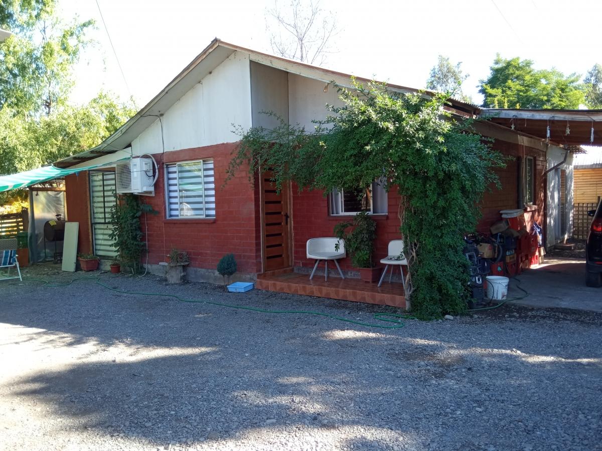 Vendo amplia casa en Molina