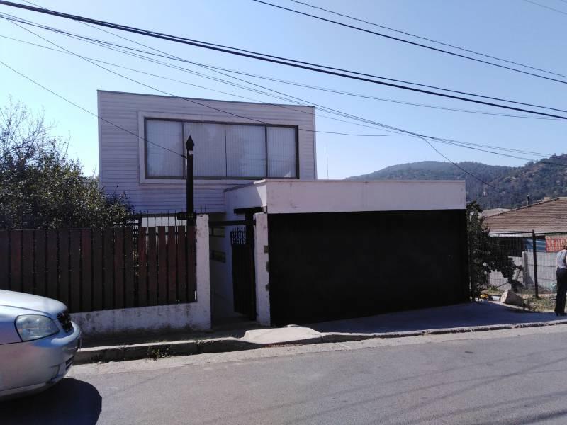 ARRIENDO COMERCIAL AMPLIA CASA