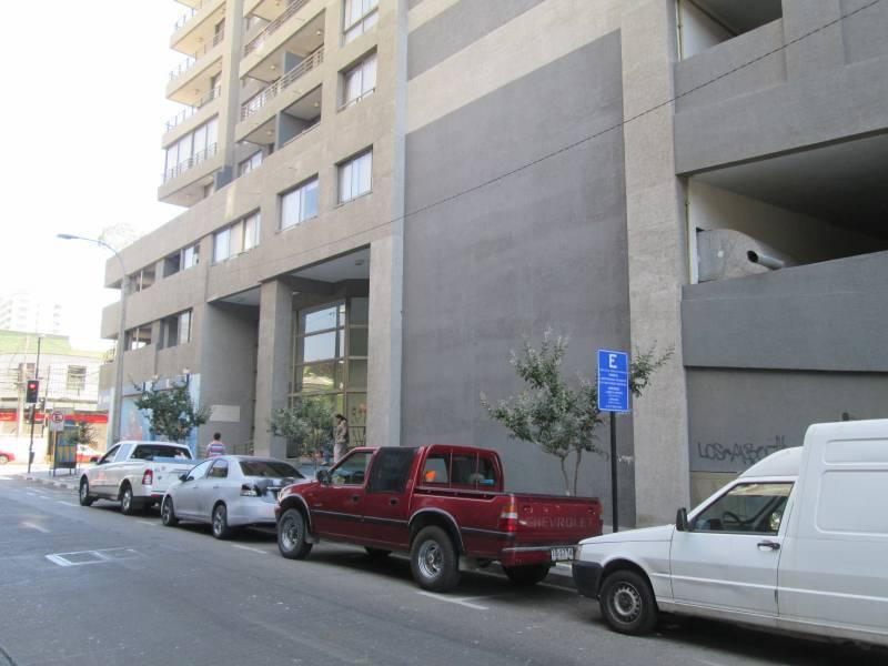 ARRIENDO AÑO CORRIDO AMOBLADO 2D-1B EN PISO 7° TRASLAVIÑA 60