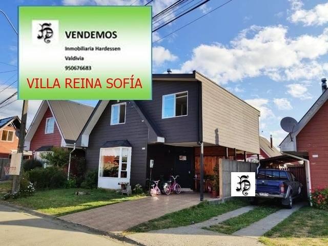 VENDEMOS HERMOSA CASA EN REINA SOFÍA. 4D,2B.