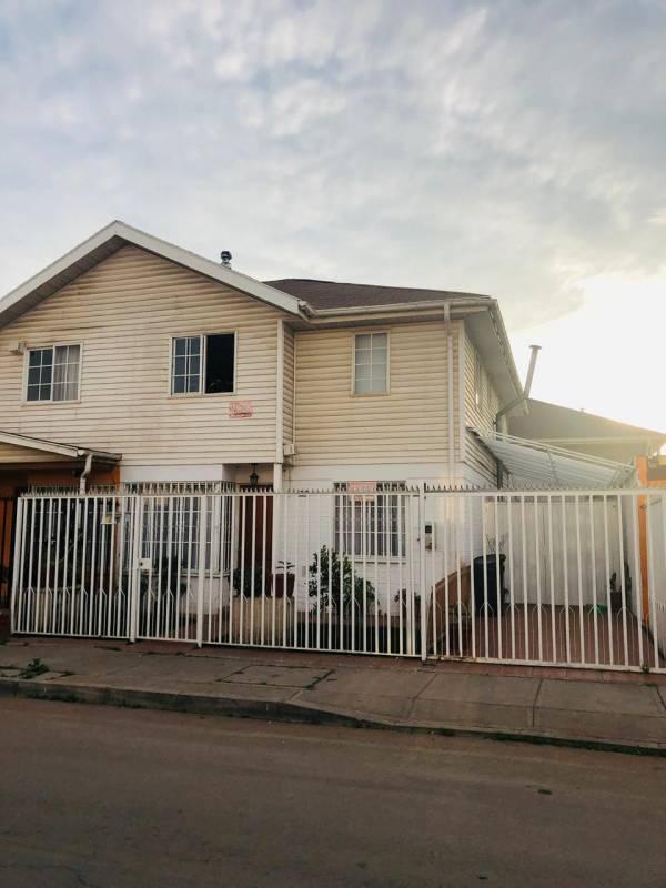 En venta gran casa ubicada en Huerquehue, Maipú