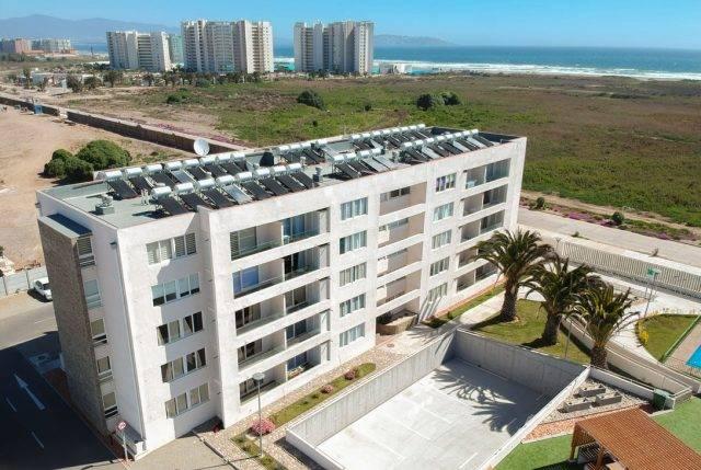 El creciente negocio de invertir en un departamento en la playa