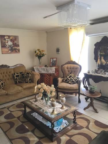 Se Vende Casa en Villa Apumanque - Curicó