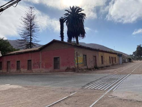 Casa Antigua ideal para construir 9 UF metro cuadrado.