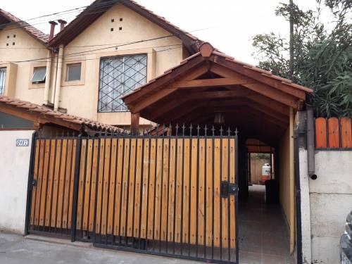 Se Arrienda amplia Casa, ubicada en Parque Central Quilicura