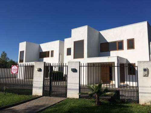 Se vende casa nueva estilo Mediterraneo - Pueblito Siglo XXI