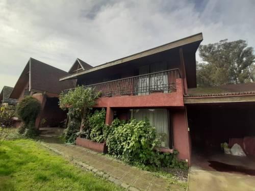 Se Arrienda Casa en condominio con acceso controlado
