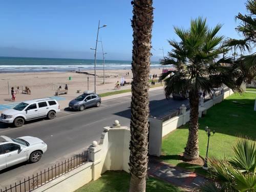 Avenida del mar (Vista frontal) amplio departamento
