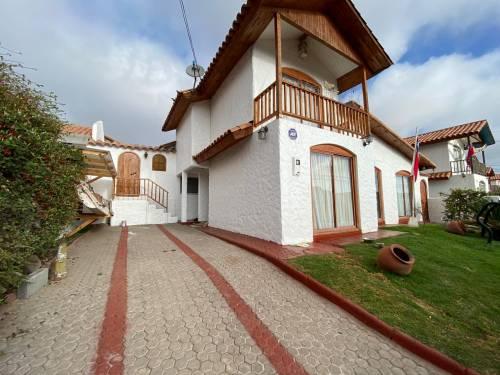 Amplia casa en sector San Joaquín