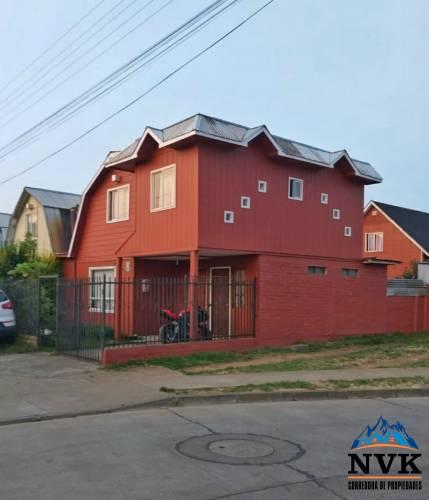 Hermosa y amplia casa de 2 pisos en venta