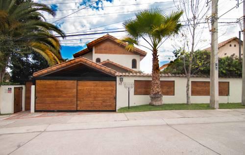 Hermosa y exclusiva propiedad amoblada en Luis Matte Larraín