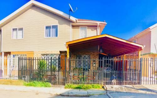 En venta amplia casa en privilegiado sector de Maipú
