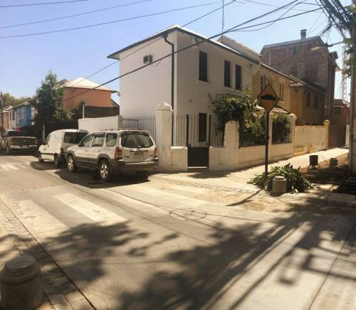 En venta casa comercial en Avenida Beaucheff
